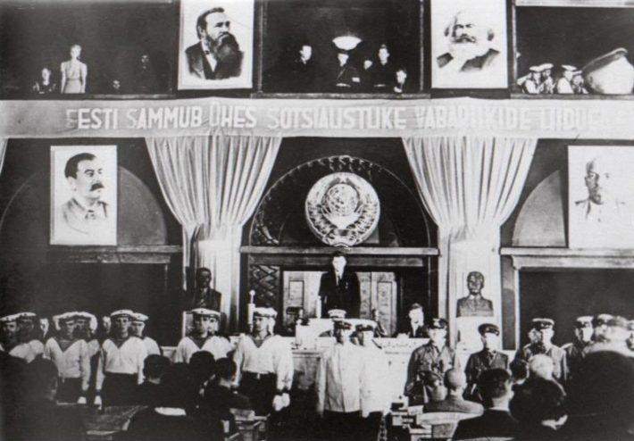 Okupatsiooni tingimustes valitud Riigivolikogu avaistung. Nädal Pildis, 1940. Foto: Rahvusarhiiv