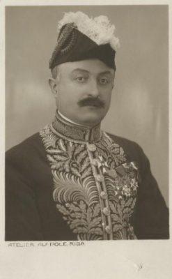 Teine Belgia saadik Eestis Florent de Selys-Fanson andis üle volikirja riigivanemale, resideeris Riias, oli alates 1927. aastast ajutine asjur Eestis.
