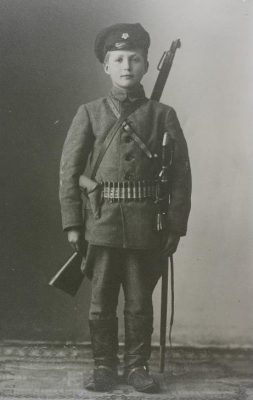 Young Estonian military courier 1918. Photo: Estonian National Archives